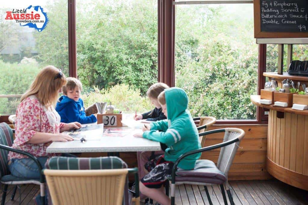 breakfast with kids in tasmania